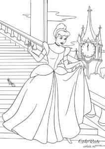 В мультфильме Золушка наступает полночь - Раскраска для детей