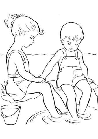 Девочка и мальчик моют ноги в реке бесплатная раскраска - Лето